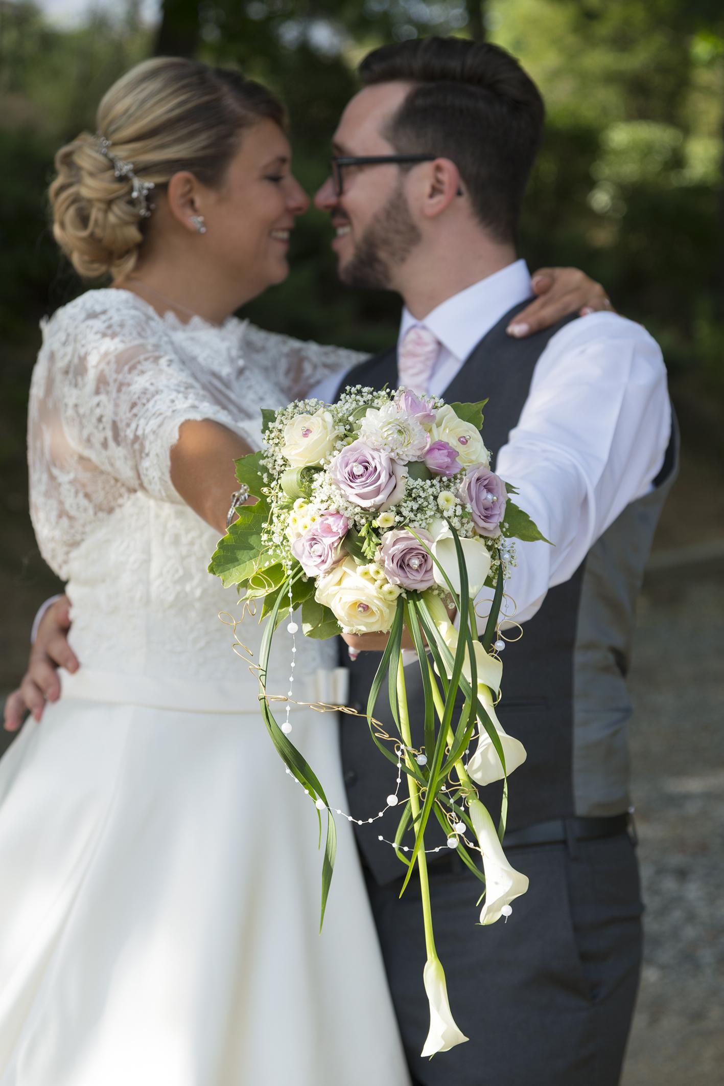 bouquet mariés aux couleurs pasteles