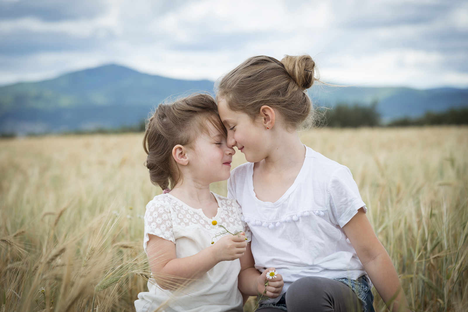 calin de soeurs