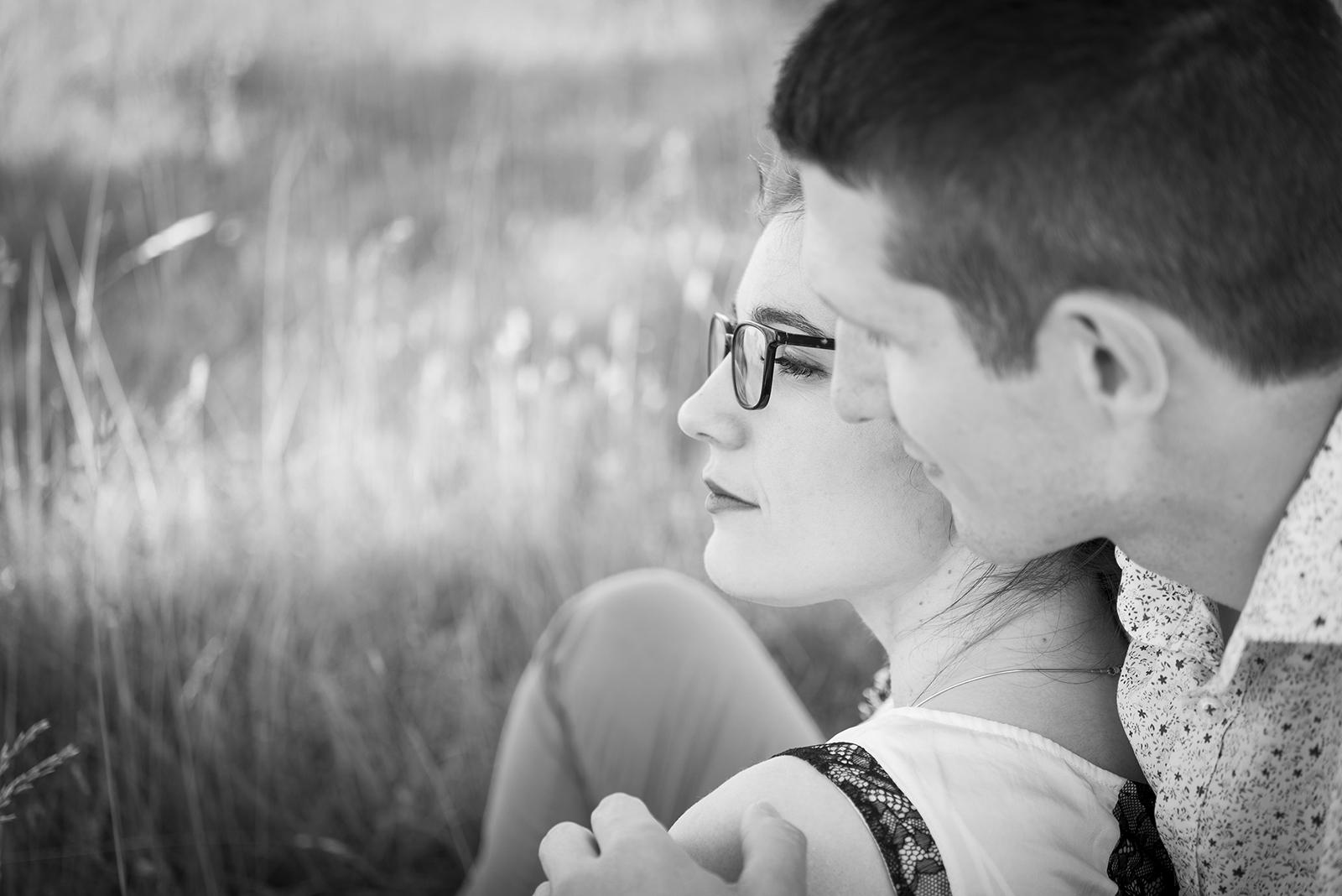 couple profil noir et blanc