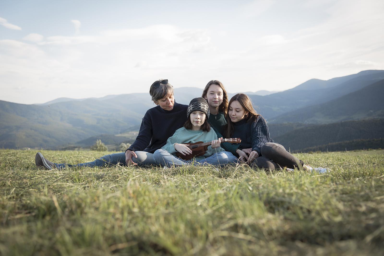 Famille mono parental ado ukulélé