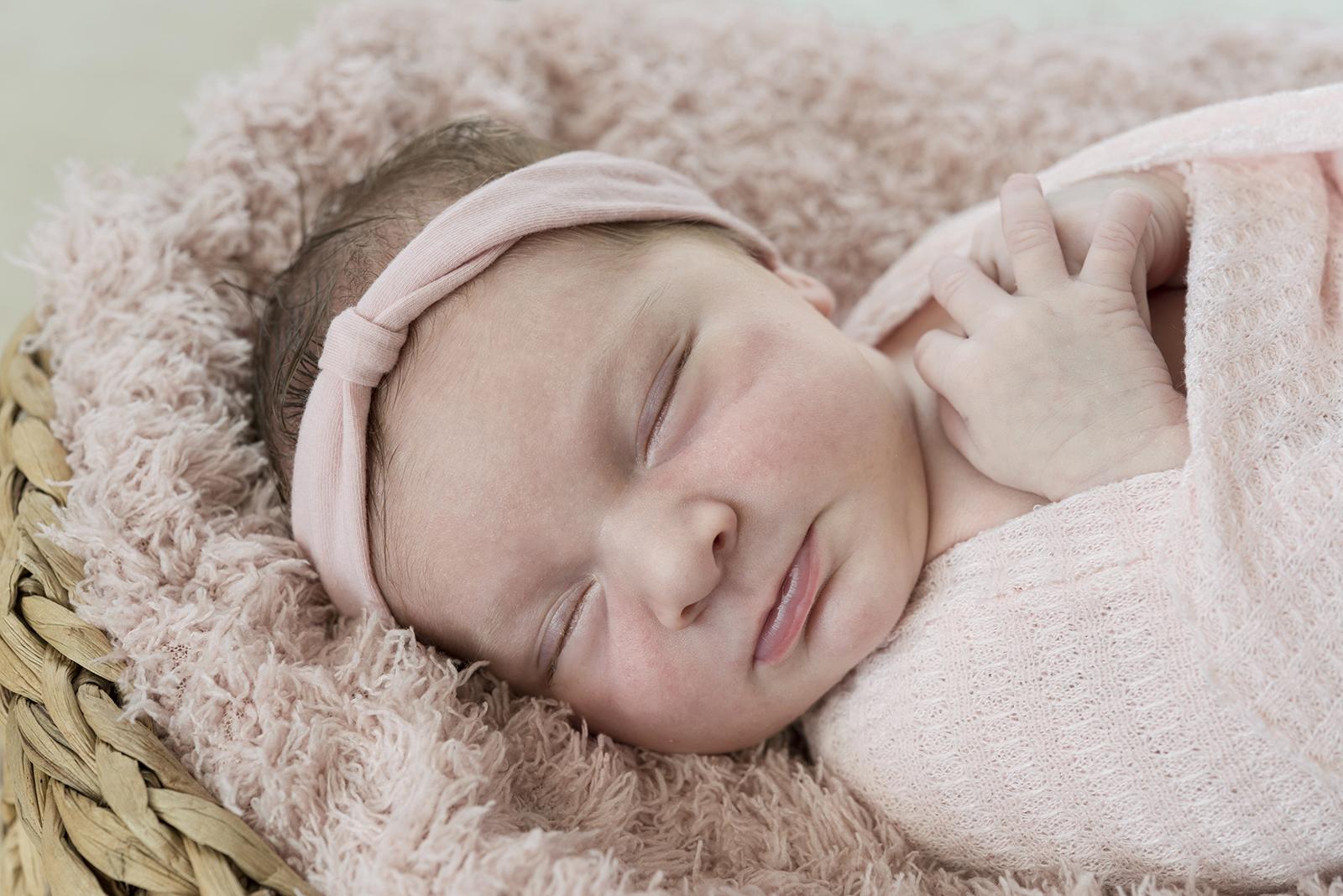 nouveau né endormi