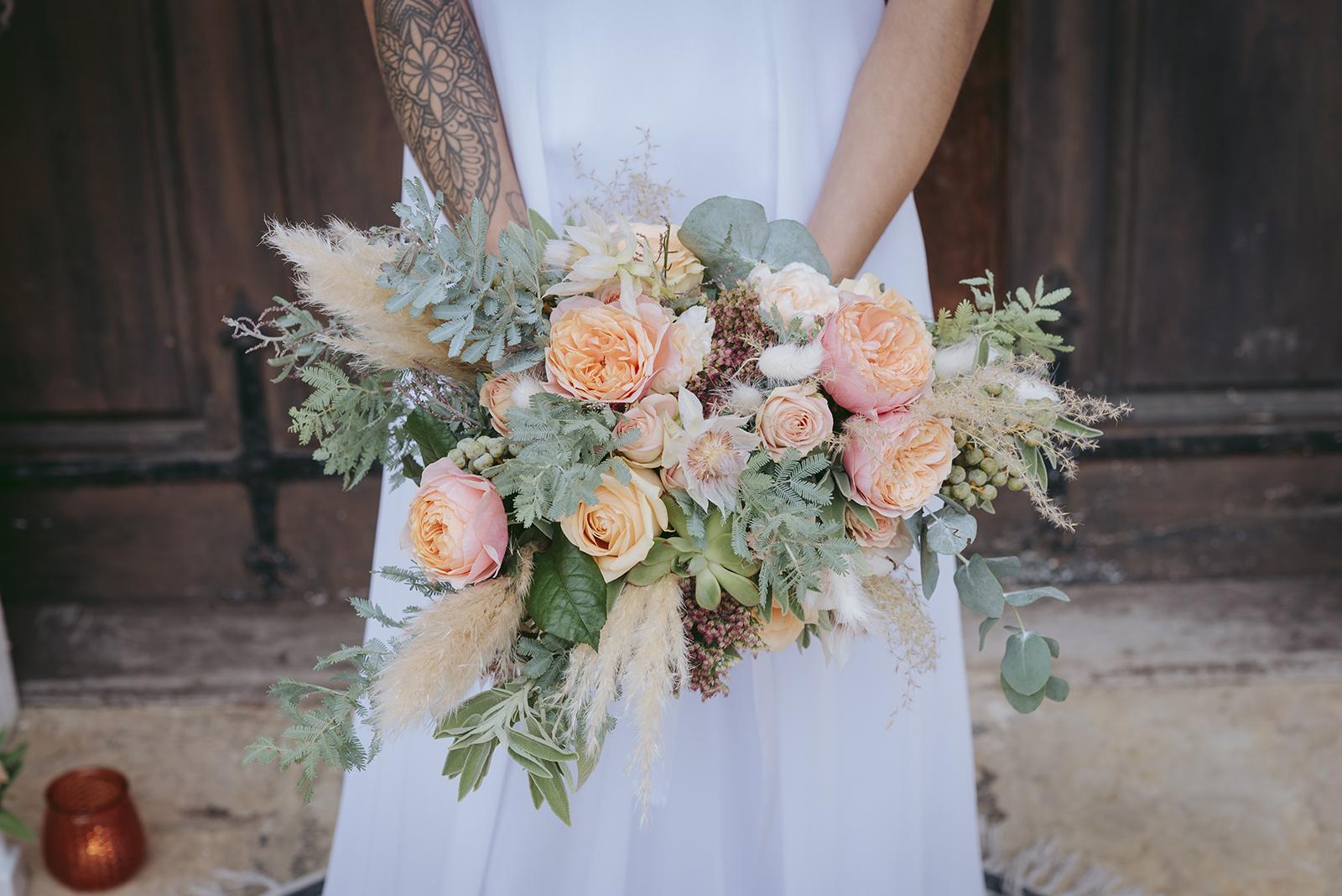 bouquet de mariage couleur pêche et menthe