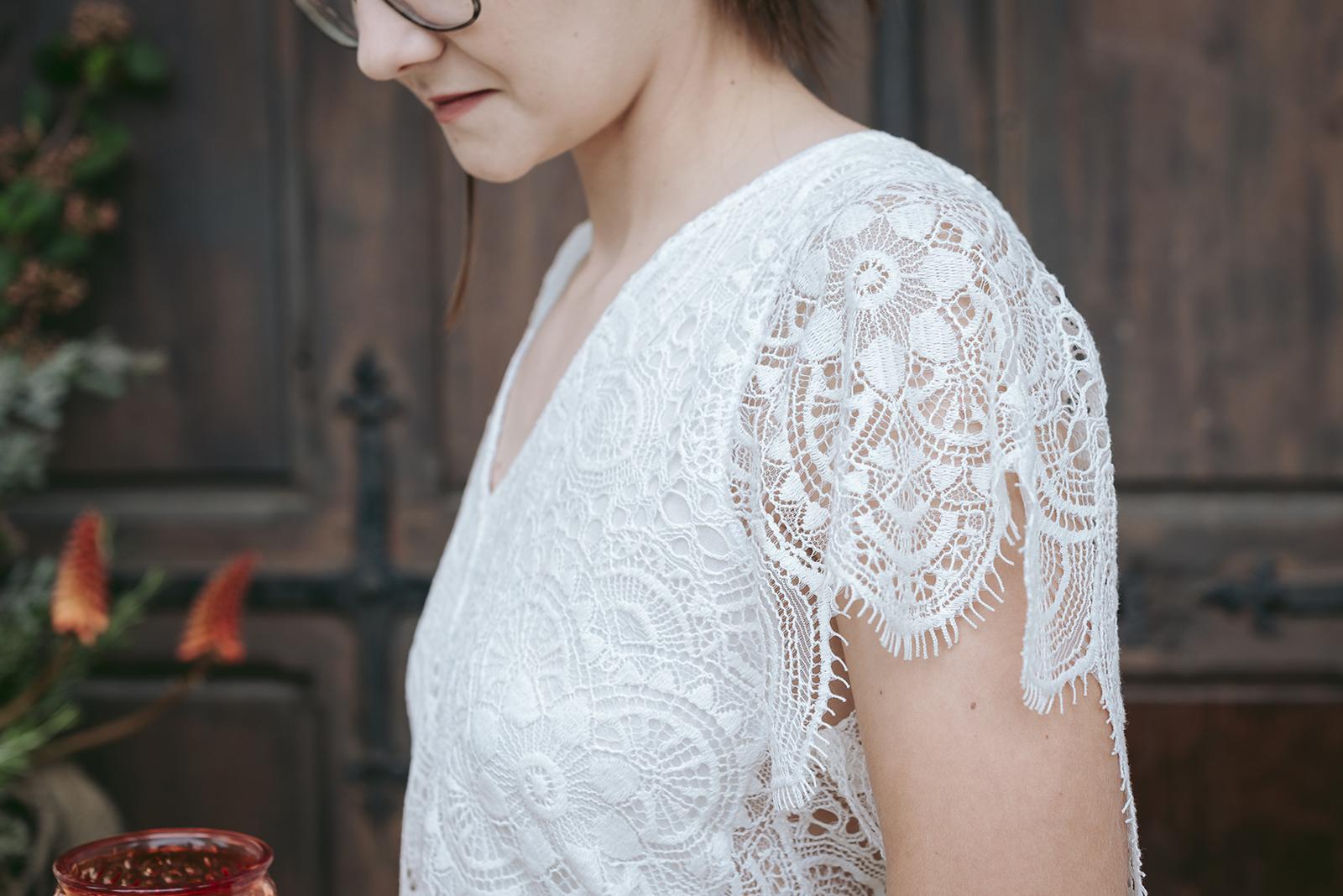 détails dentelle de robe de mariée