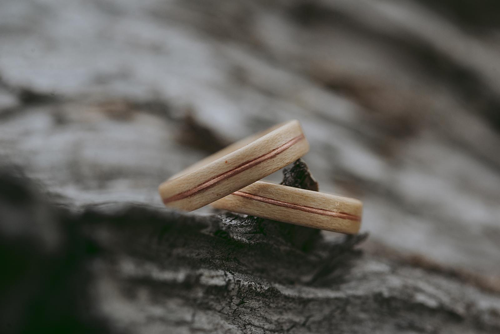 photo d'alliances en bois