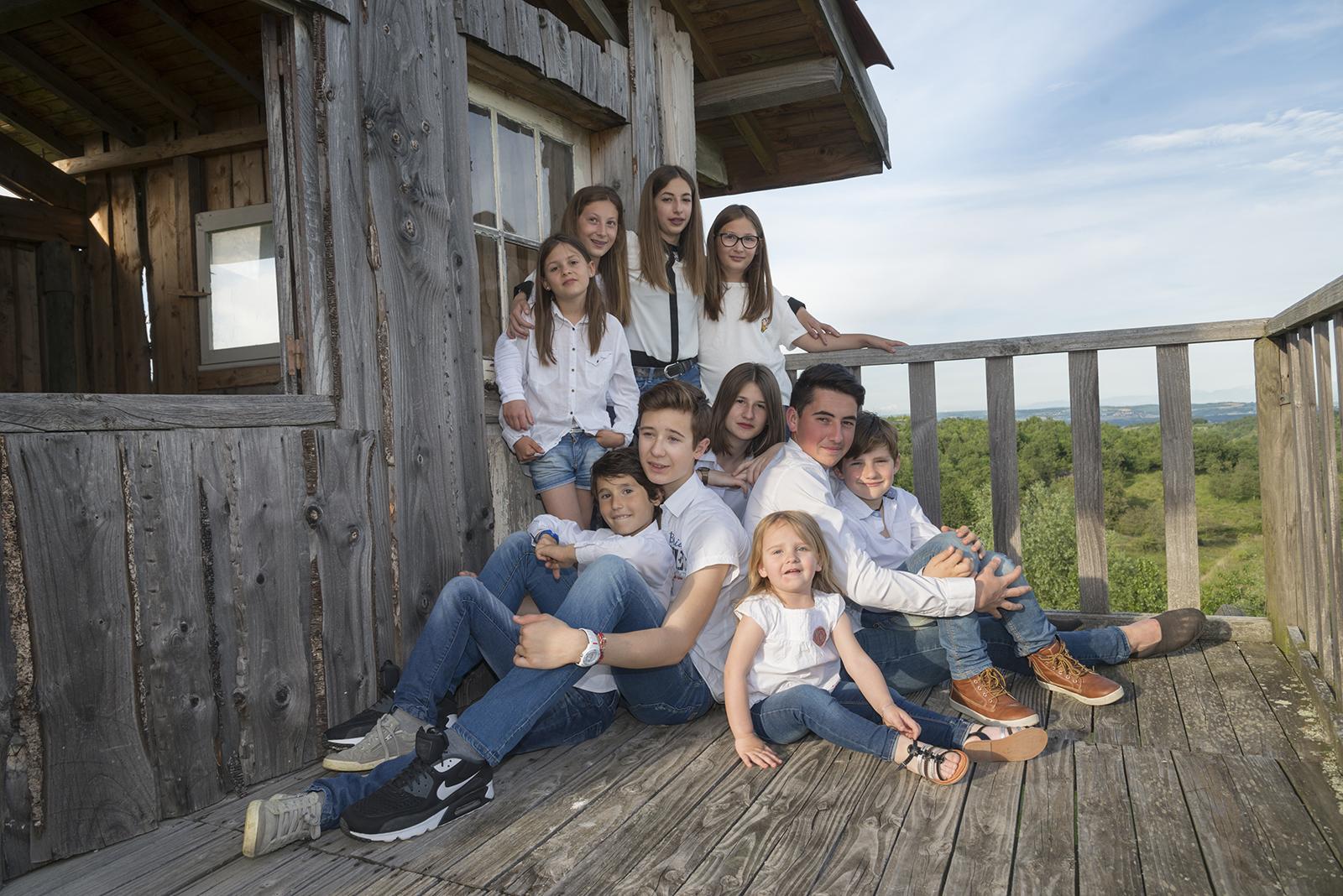 famille cousins ambiance cabane dans le pilat