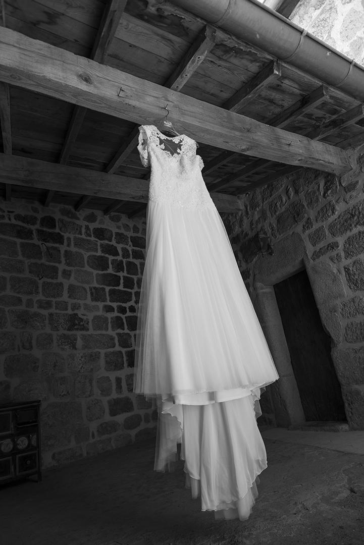 robe de mariée en noir et blanc