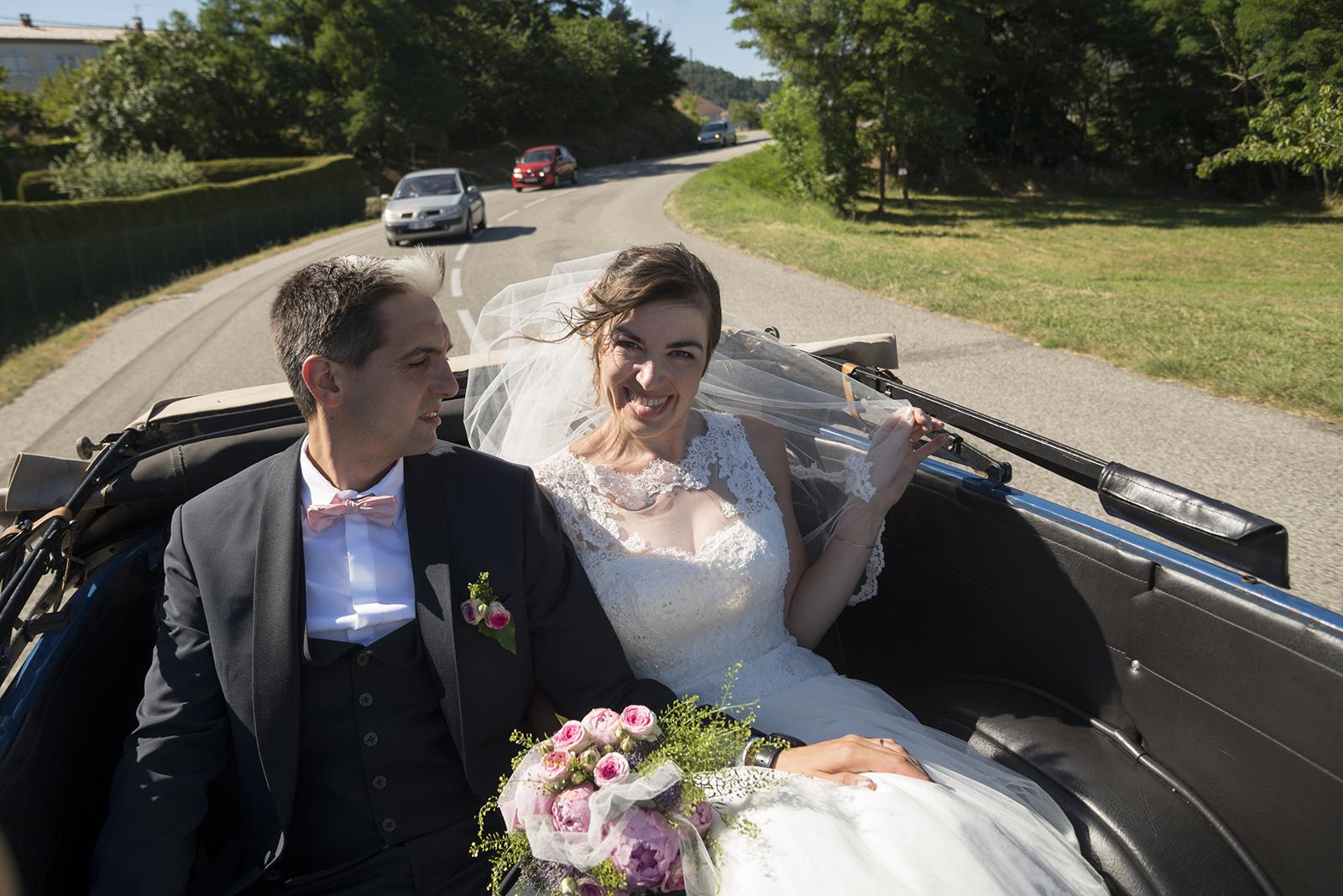 mariés en voiture à saint felicien