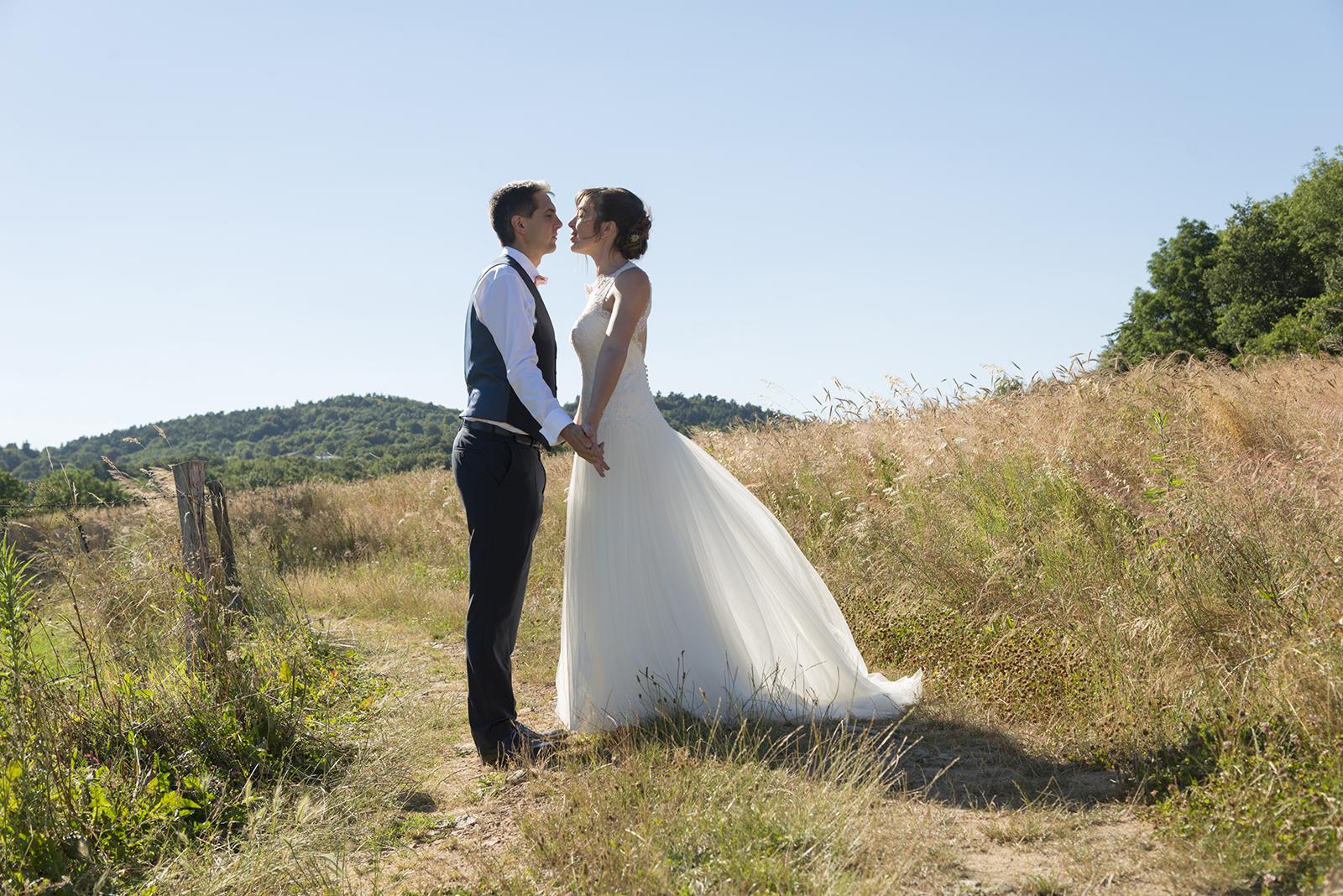 mariés sur un chemin à saint felicie