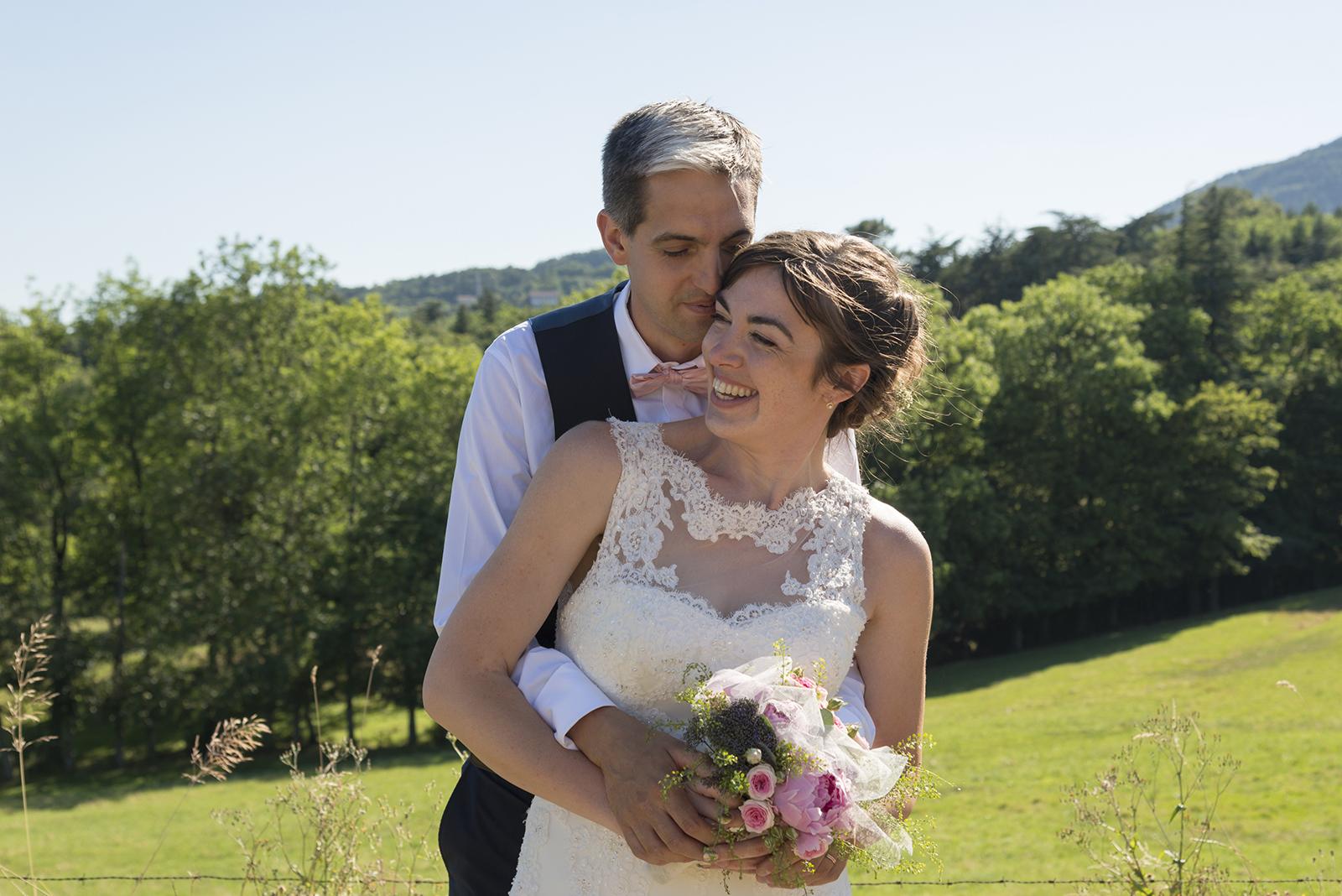 Photo de couple de mariés à saint felicien