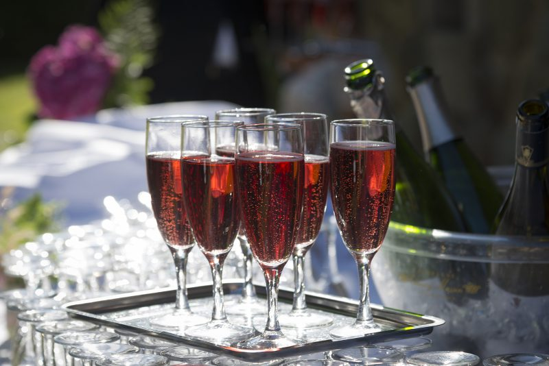 coupes de champagne rosé
