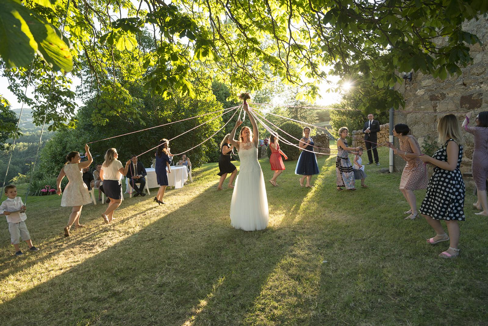 le jeu du ruban mariage à Saint Félicien