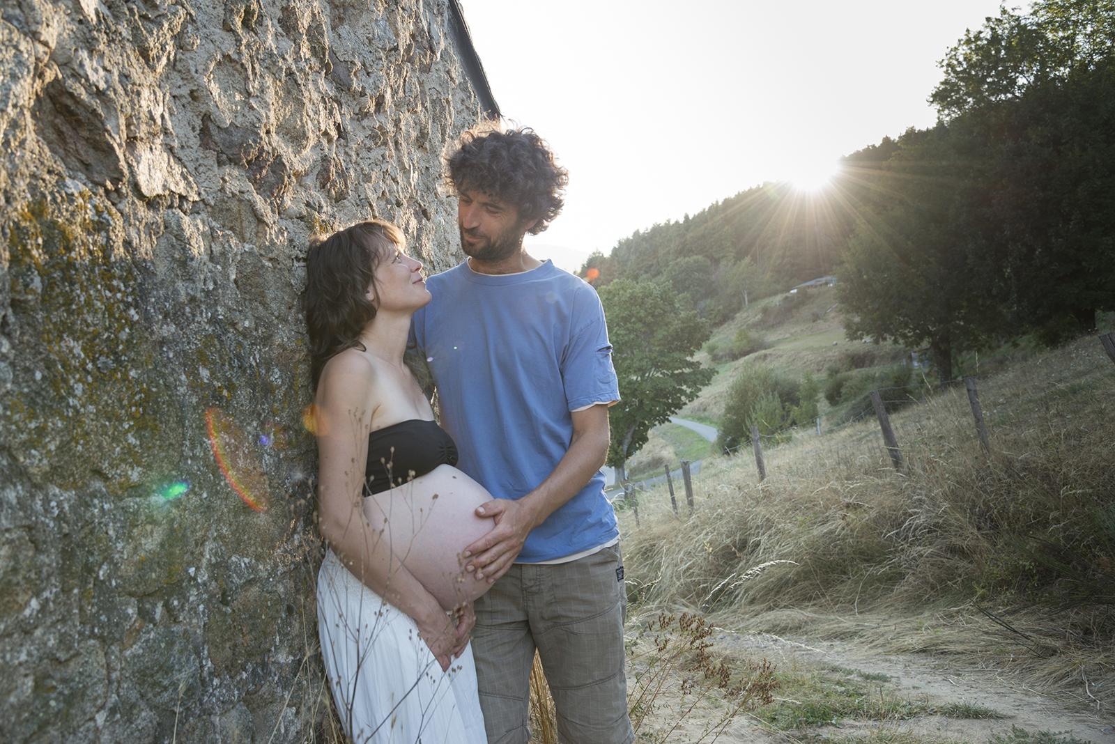 couple au coucher du soleil montagne ardechoise