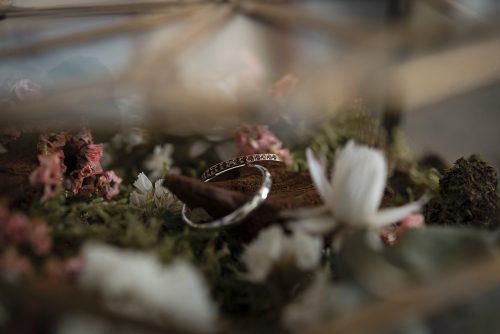 alliances et fleurs séchées