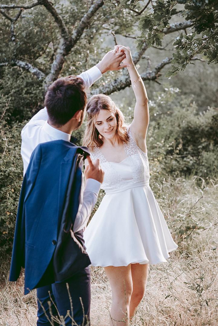mariés qui dansent
